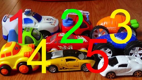 Học phép toán đếm thông qua việc phân loại đồ chơi