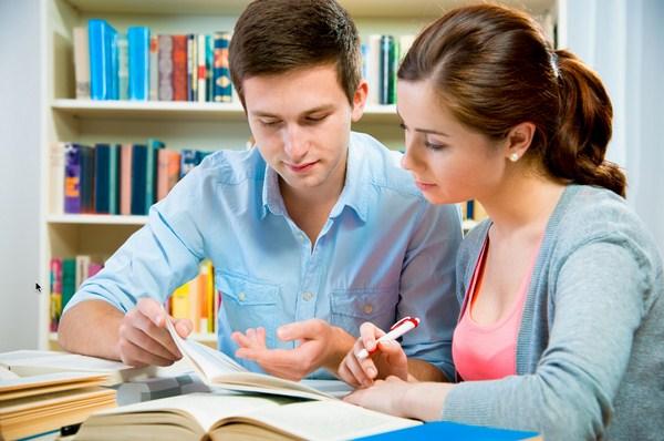 Học viết luận tiếng Anh với giáo viên bản xứ